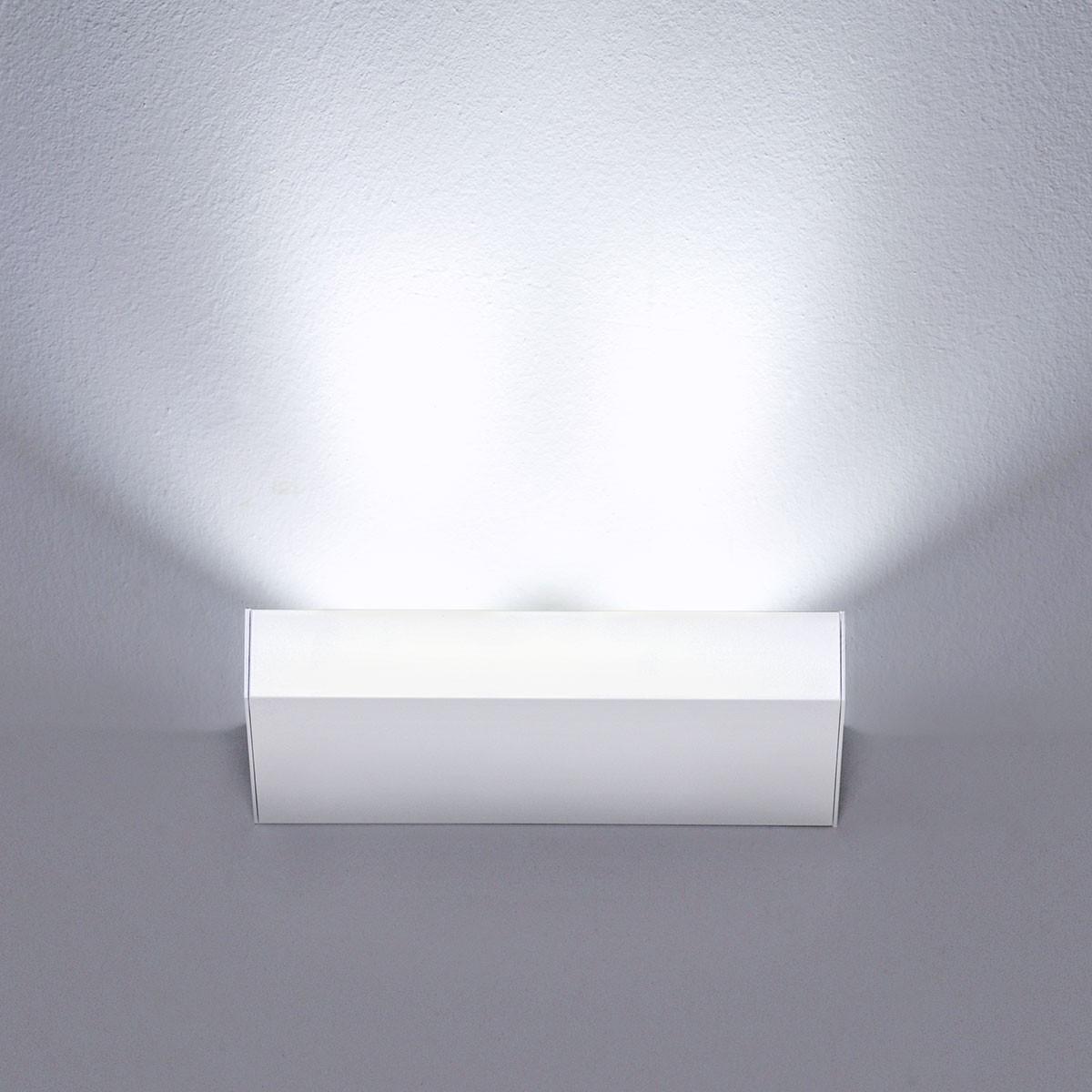 Milan Neva Wandleuchte LED, 2-flg., weiß lackiert