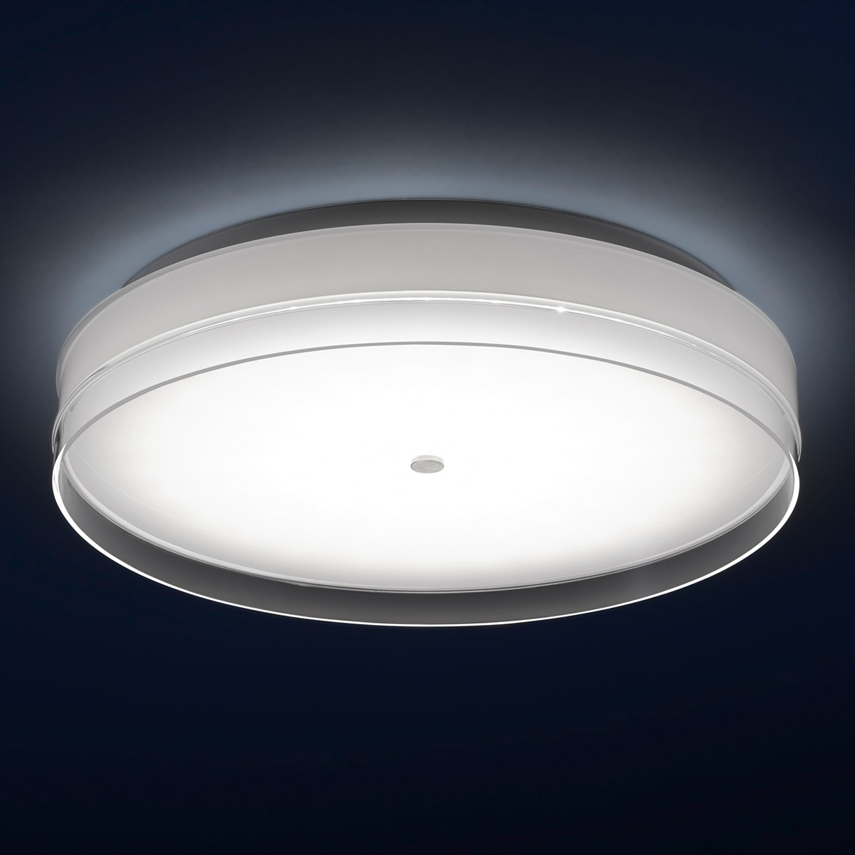 Helestra Yuma Wand- / Deckenleuchte, Ø: 40 cm, Opalglas / klarer Dekorrand