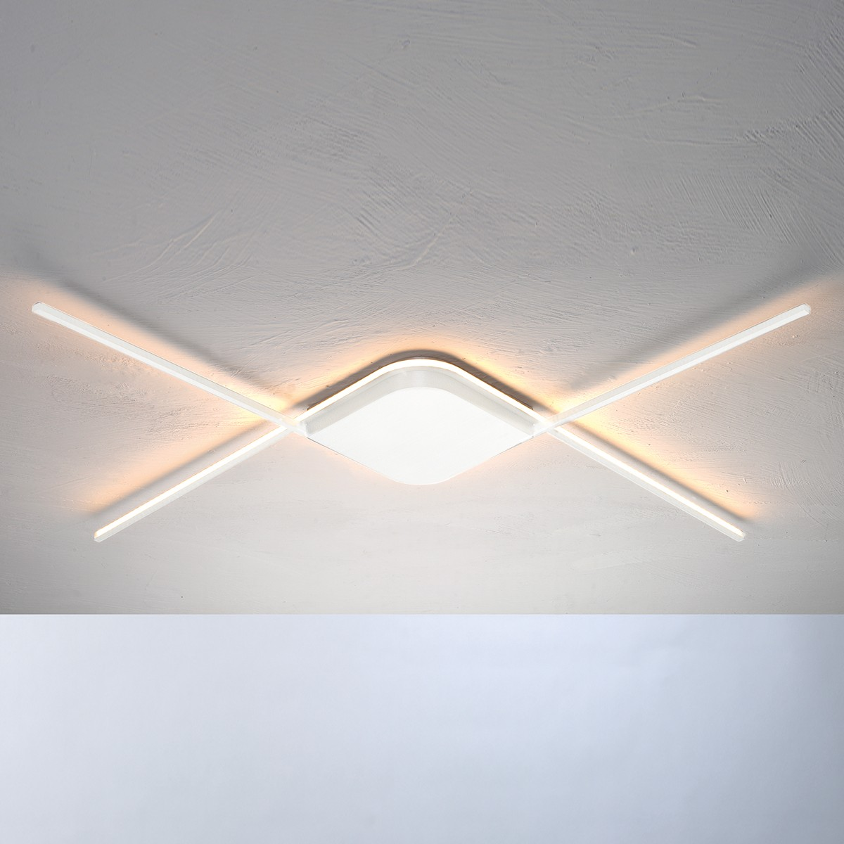 Bopp Less Deckenleuchte außenliegendes LED Band, weiß