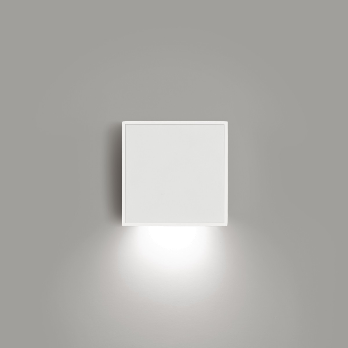 Vibia Alpha 7925 Wandleuchte, weiß matt, Front: weiß matt