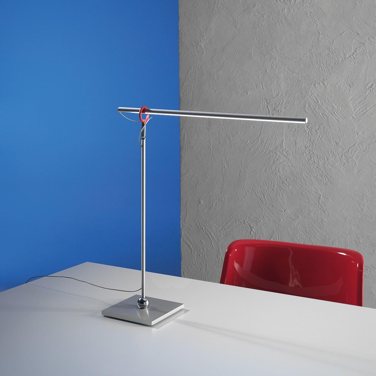 Escale Slimline Tischleuchte, Aluminium geschliffen, mit rotem Clip